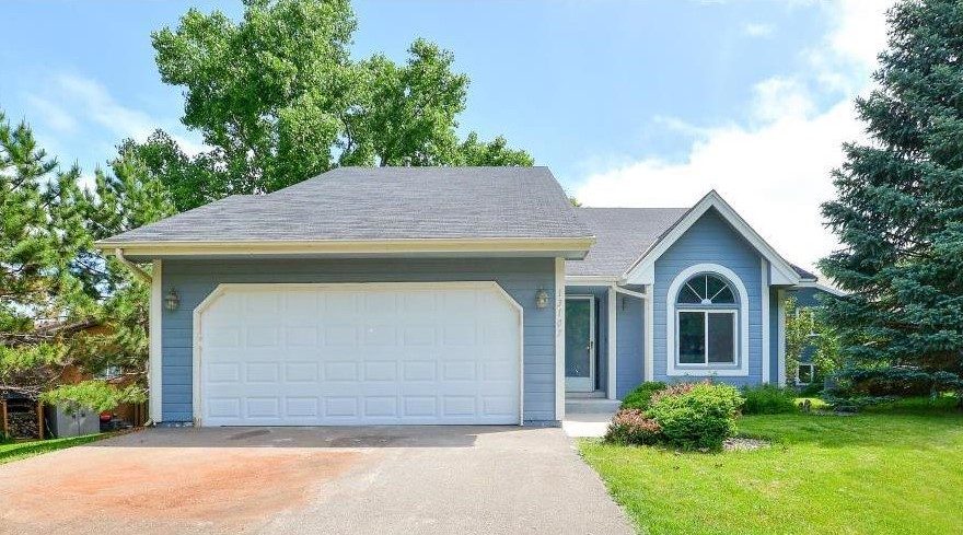 Awesome 3 BR/2 BA home in a great Savage location!