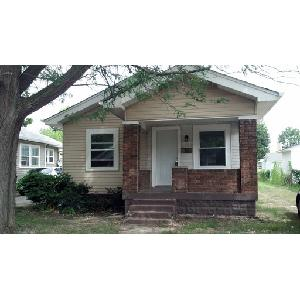 2 bedroom 1 bath with lots of character