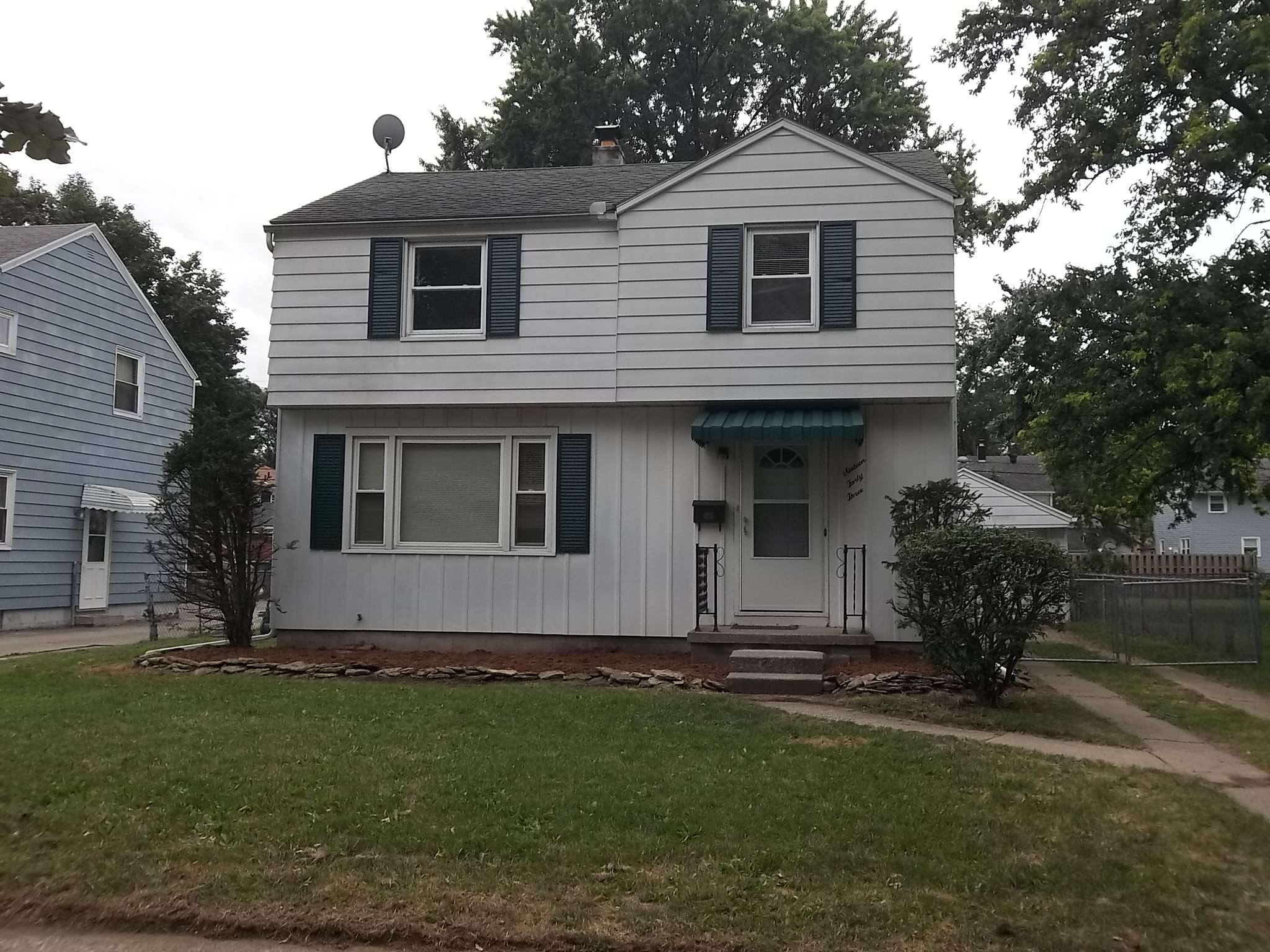 3 bed 1 1/2 bath west side home