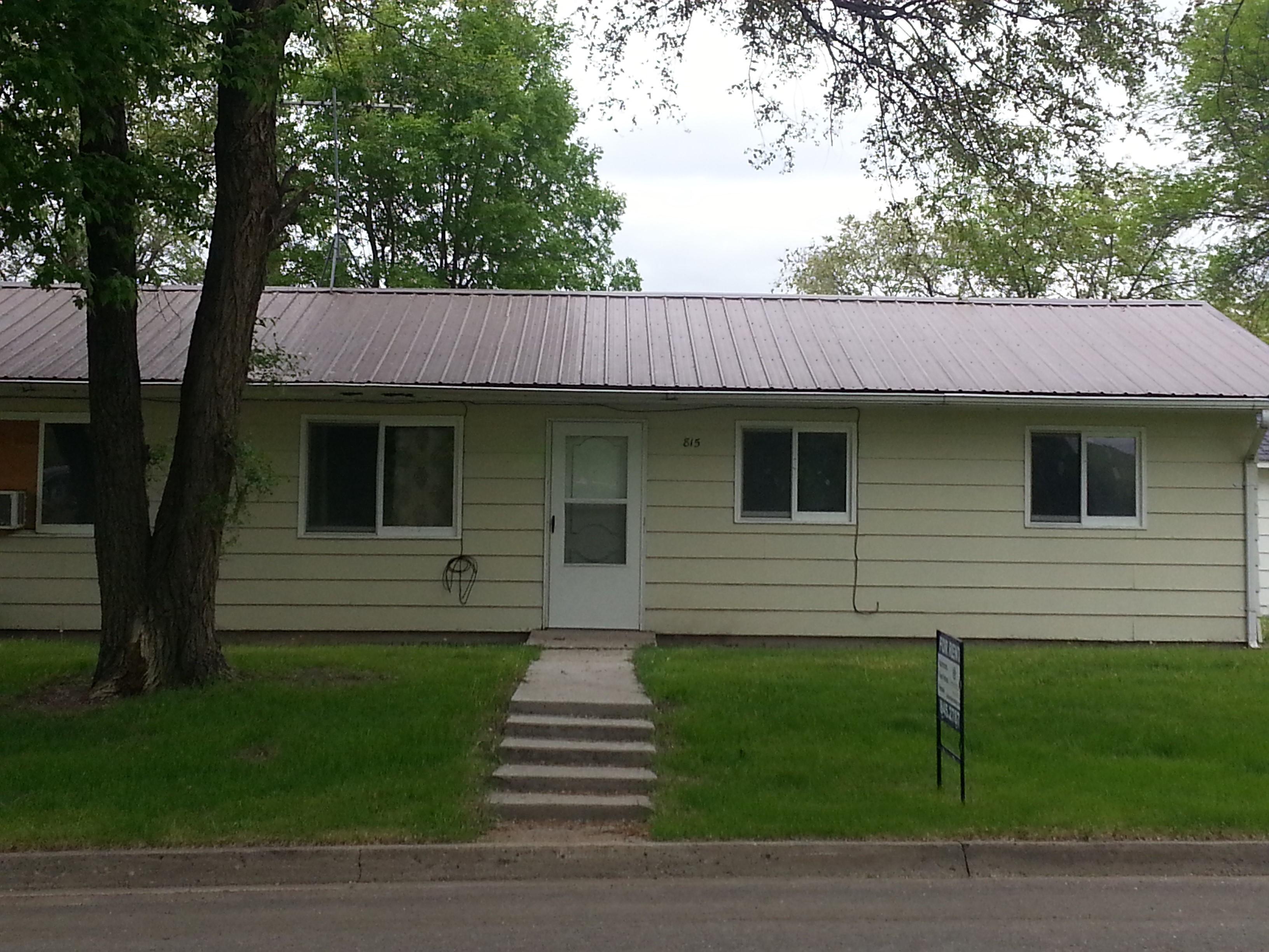 Remodeled 3 Bedroom Duplex $695