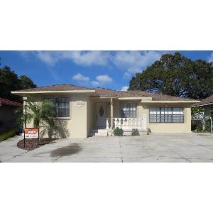 Lovely home in the heart of Tampa!
