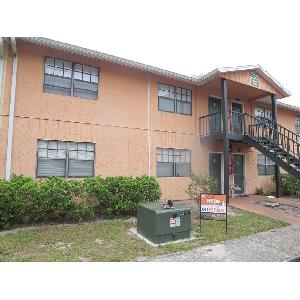 2/1 Condo with Tiled flooring!