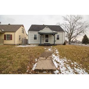 Beech Grove 3 Bedroom with a full basement!