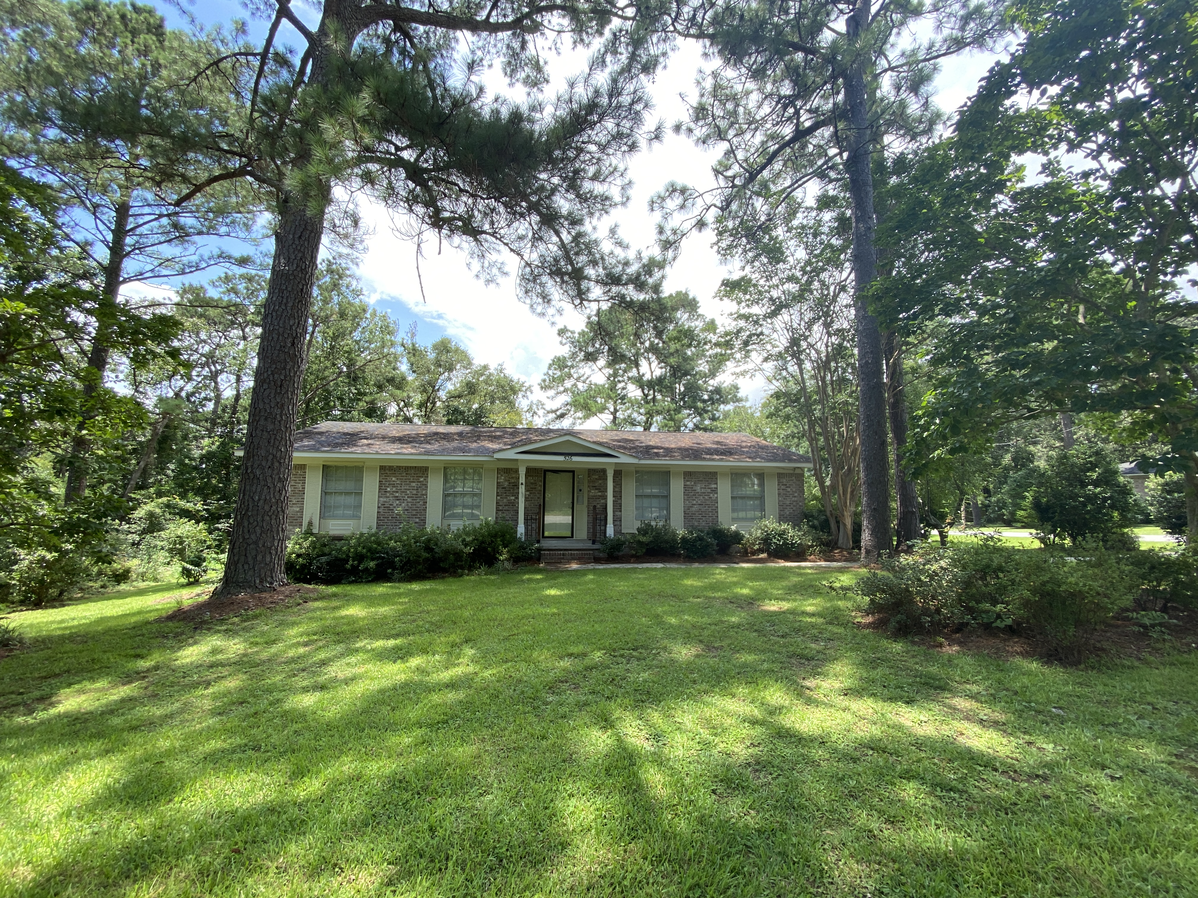 SPANISH FORT 3/2! LARGE YARD WITH LAWN CARE INCLUDED