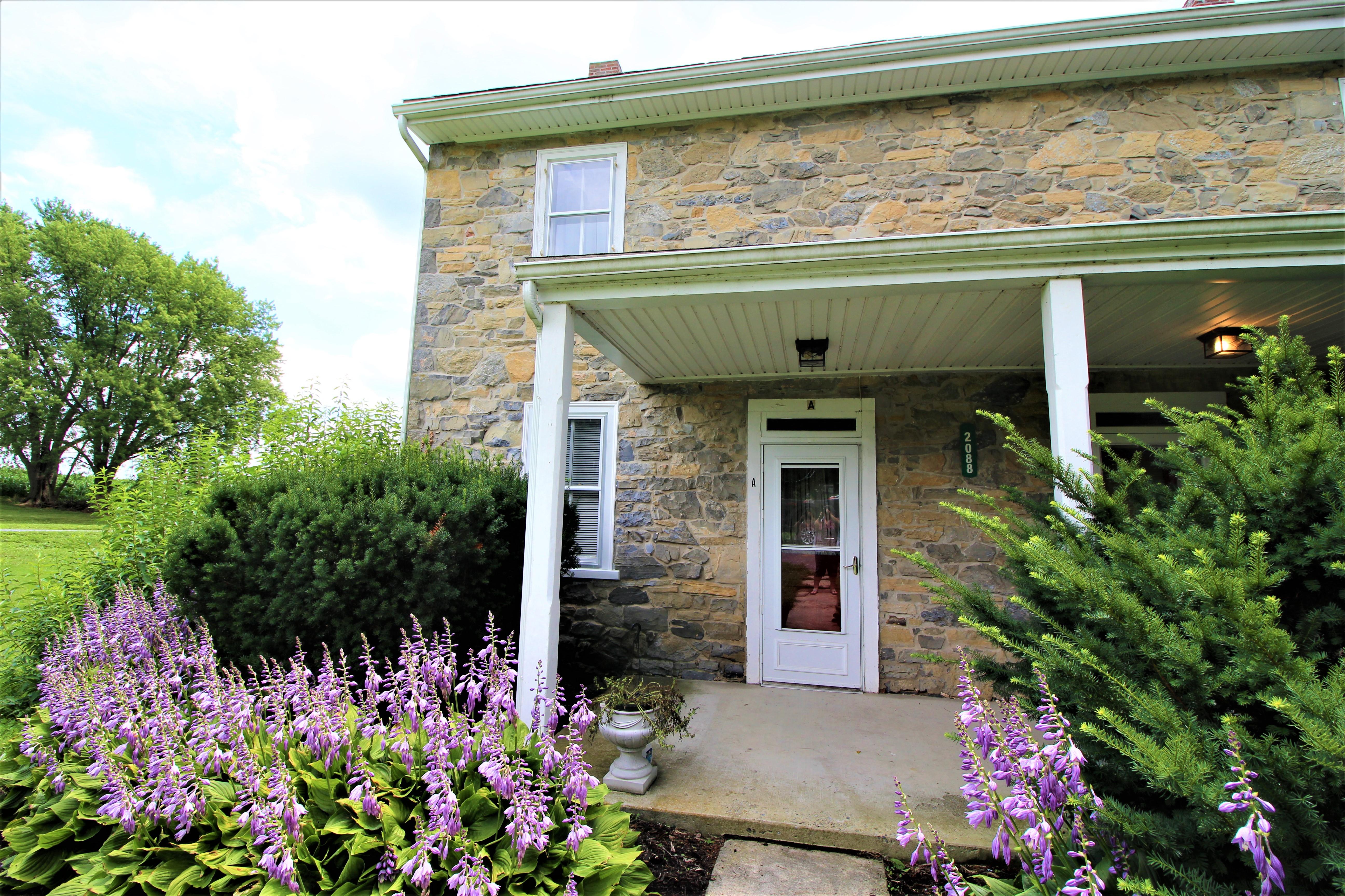 2088-A Creek Hill Road, Lancaster $895/Month--SEMI-DETACHED FARMHOUSE