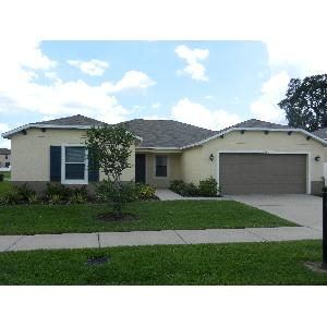 Spacious 4/2/2 in Riverview with Pond View!