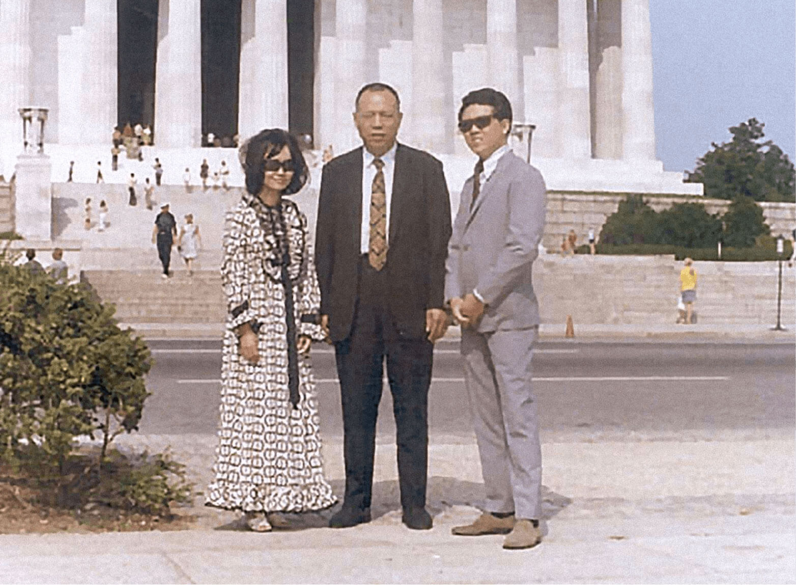 Peggy Cherng, Chef Ming Tsai Cherng 'YeYe,' and Andrew Cherng visiting the Lincoln Memorial