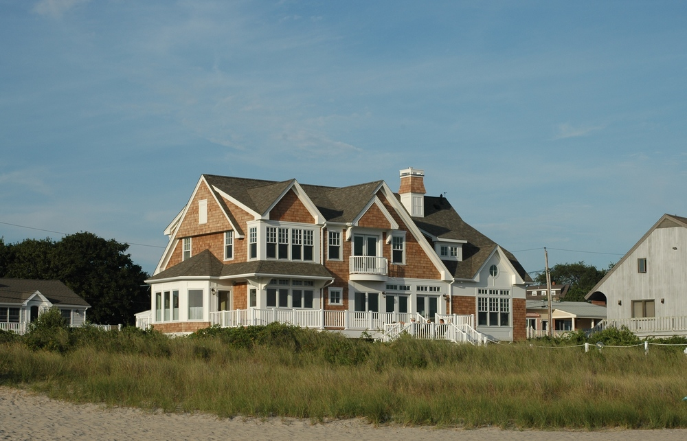 39 beach house designs from around the world photos Beach houses in rhode island