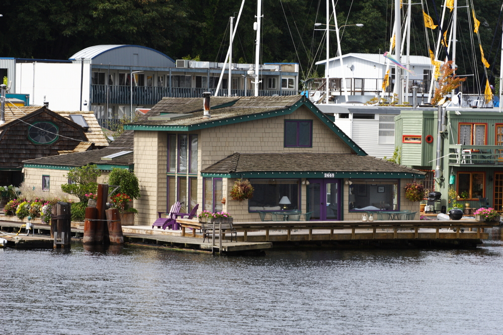 Close-up of the floating home in Seattle that was featured in the movie Sleepless in Seattle