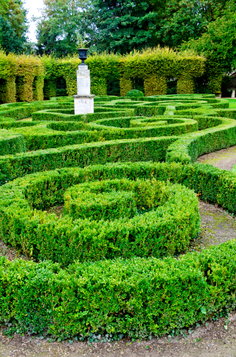 Spiral and free-flowing garden maze labyrinth