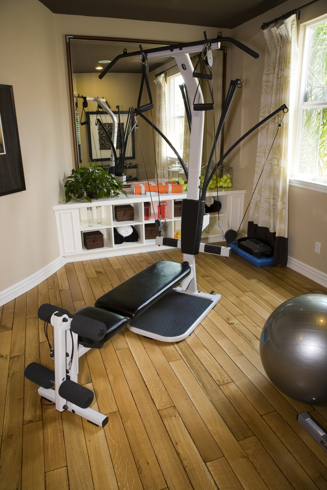 27 luxury home gym design ideas for fitness buffs for Small exercise room