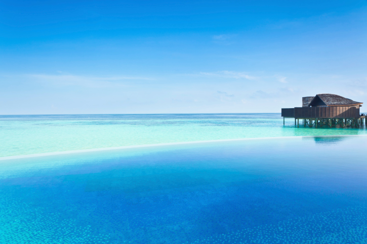 Stunning large infinity pool on the ocean