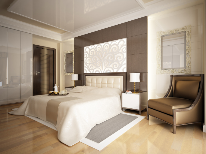 Merveilleux Mid Sized Master Bedroom With White Walls And Ceiling And Light Wood Floor