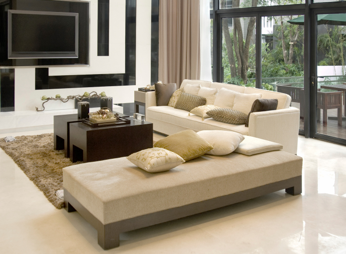 Large Airy Beige And White Modern Living Room Design Part 49