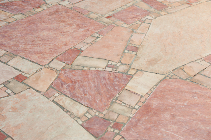 Random Pink Flagstone Patio Design