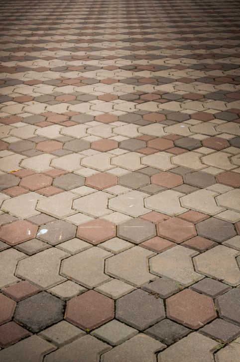Interlocking paver brick patio design using 3 color schemes - 50 Brick Patio Patterns, Designs And Ideas