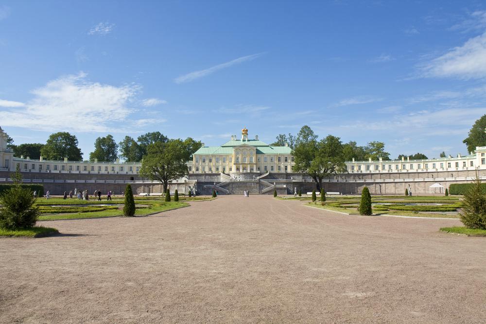 Panarama view of Oranienbaum Palace