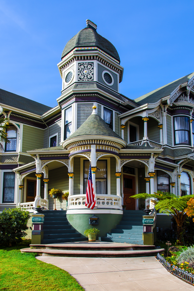 59 finest victorian mansions and house designs in the for Historic home designs