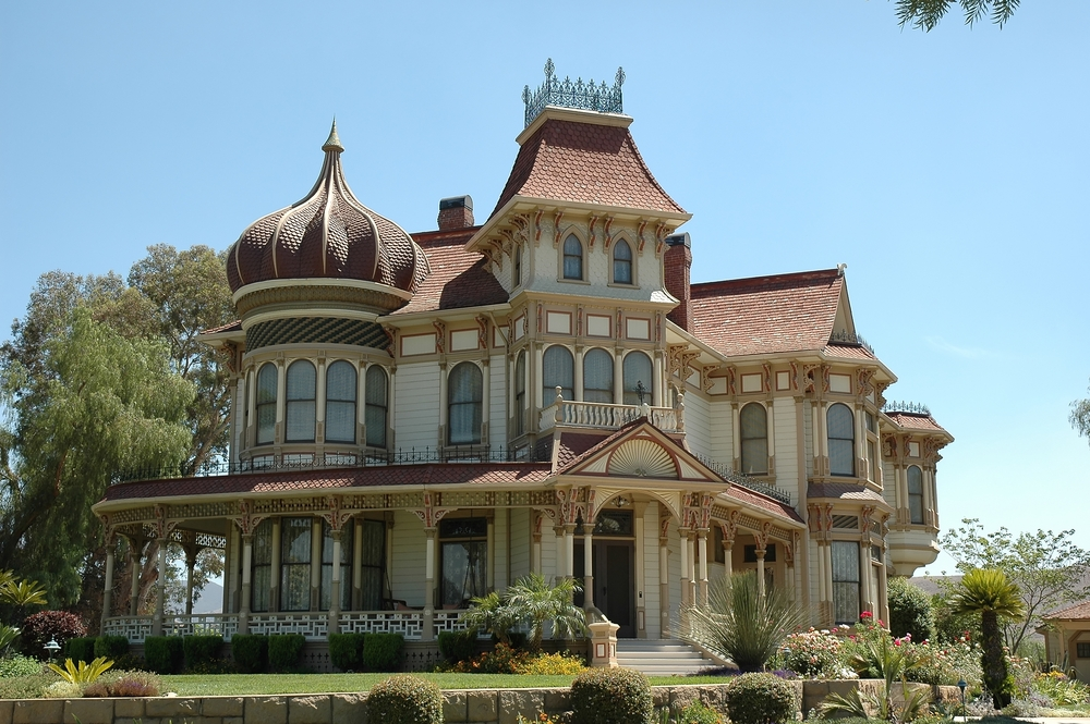 50 finest victorian mansions and house designs in the for Victorian style house