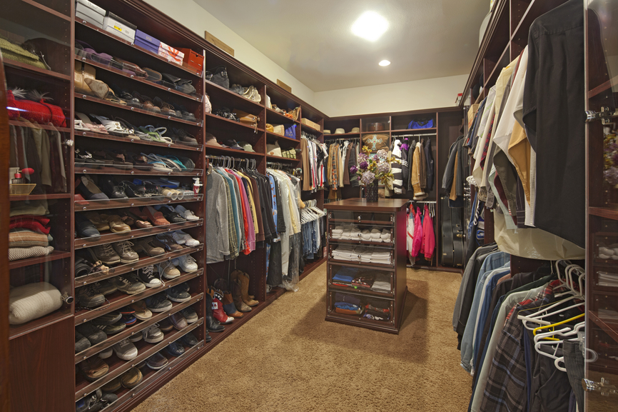 Outstanding Men's Luxury Walk-In Closets 866 x 577 · 675 kB · jpeg
