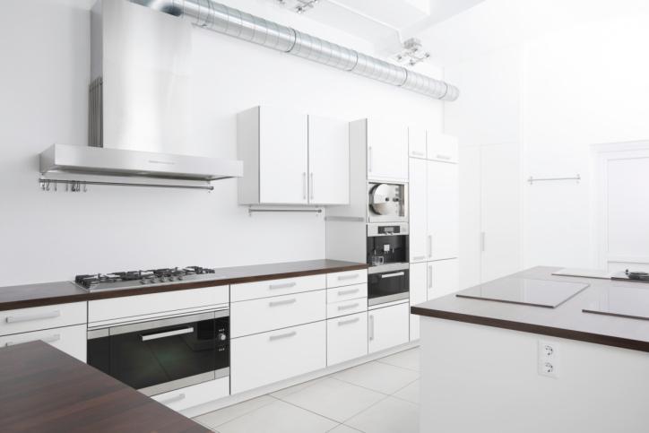 Minimalist White Modern Kitchen with Island