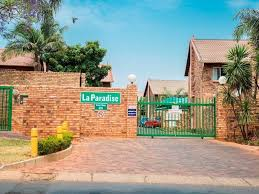Pretoria, Garsfontein Property  | Houses To Rent Garsfontein, GARSFONTEIN, Townhouse 3 bedrooms property to rent Price:, 10,00*