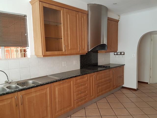 Northcliff property to rent. Ref No: 13392148. Picture no 7