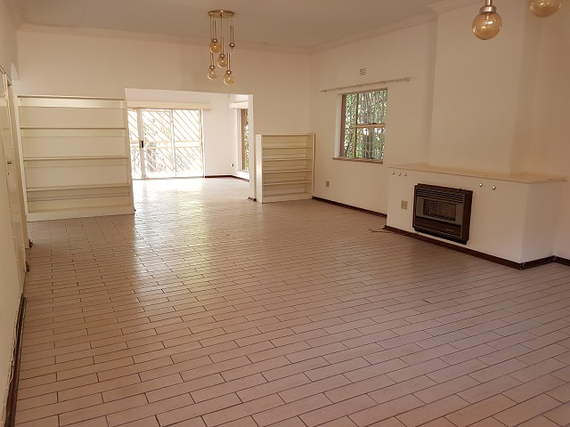 Northcliff property to rent. Ref No: 13392148. Picture no 5