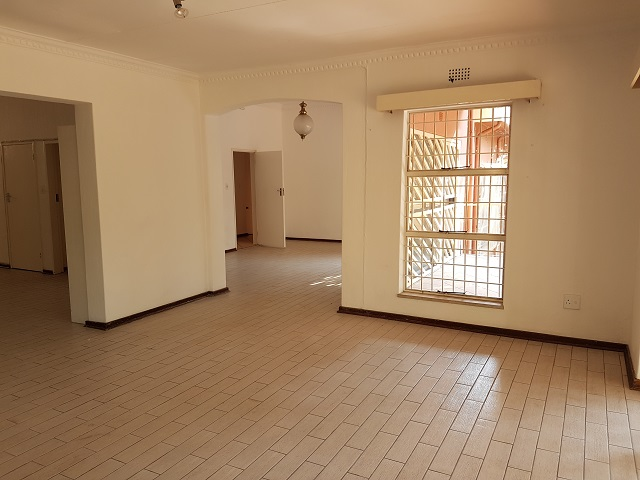 Northcliff property to rent. Ref No: 13392148. Picture no 6