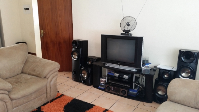 Ferndale property to rent. Ref No: 13400237. Picture no 3