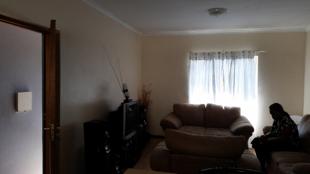 Ferndale property to rent. Ref No: 13400237. Picture no 4