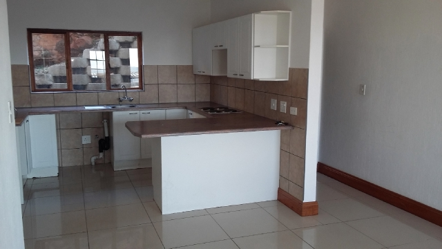 Constantia Kloof property to rent. Ref No: 13396712. Picture no 3