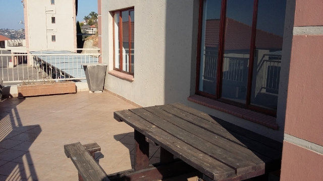 Constantia Kloof property to rent. Ref No: 13396712. Picture no 8