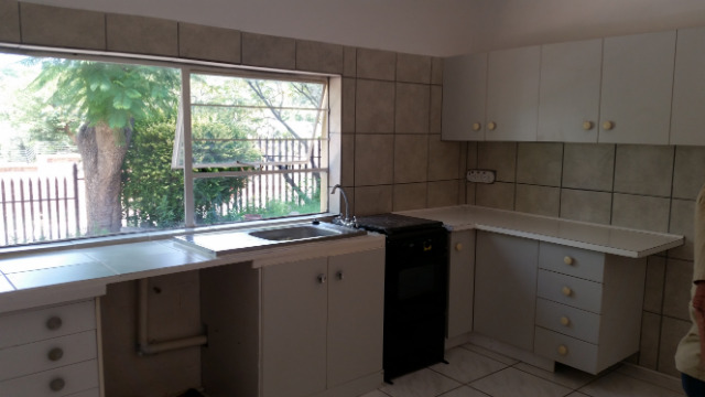 Weltevredenpark property to rent. Ref No: 13395732. Picture no 3