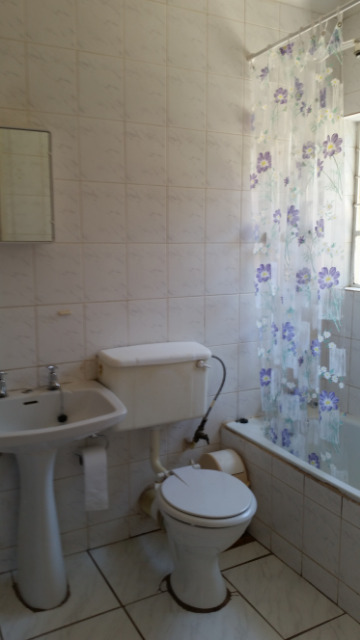 Weltevredenpark property to rent. Ref No: 13395732. Picture no 7