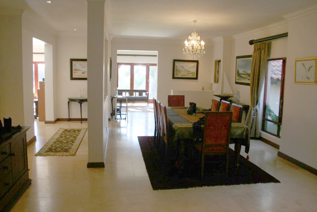 Bryanston West property to rent. Ref No: 13396306. Picture no 11
