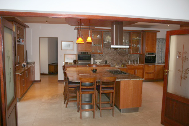 Bryanston West property to rent. Ref No: 13396306. Picture no 12