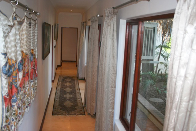 Bryanston West property to rent. Ref No: 13396306. Picture no 17