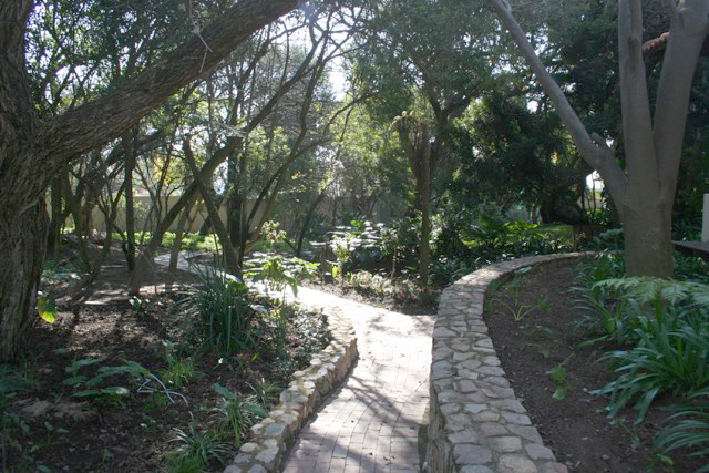 Bryanston West property to rent. Ref No: 13396306. Picture no 25