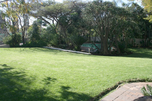Bryanston West property to rent. Ref No: 13396306. Picture no 26