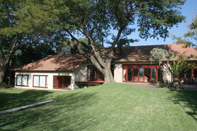 Bryanston West property to rent. Ref No: 13396306. Picture no 3