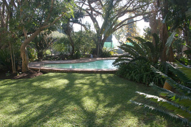 Bryanston West property to rent. Ref No: 13396306. Picture no 4
