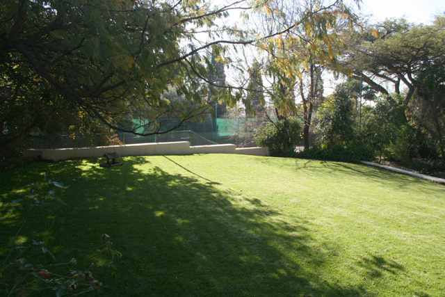 Bryanston West property to rent. Ref No: 13396306. Picture no 5