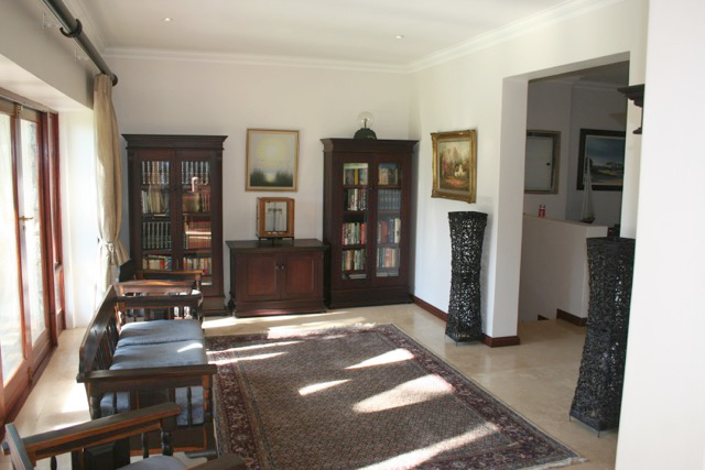 Bryanston West property to rent. Ref No: 13396306. Picture no 9