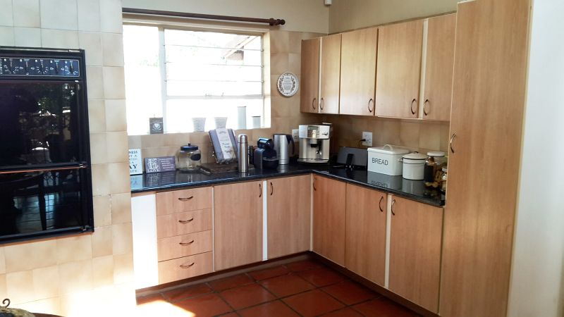Fairland property to rent. Ref No: 13386207. Picture no 11
