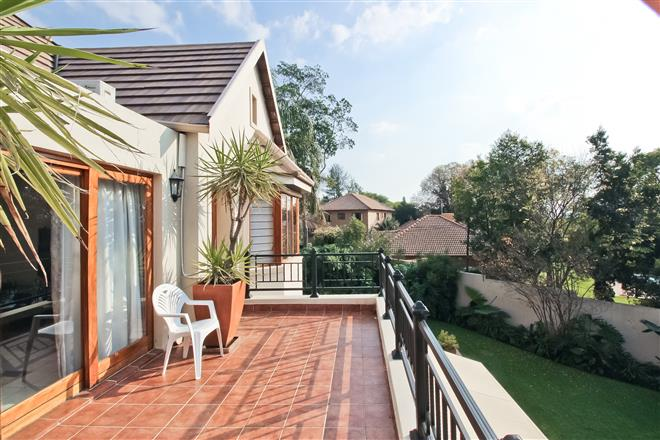 Bryanston property to rent. Ref No: 13396305. Picture no 10