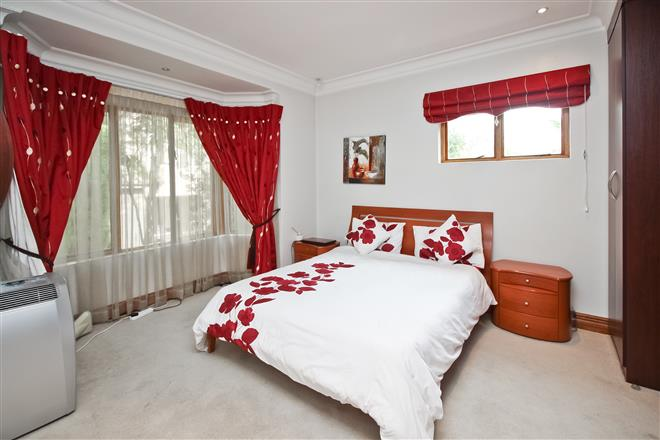 Bryanston property to rent. Ref No: 13396305. Picture no 11