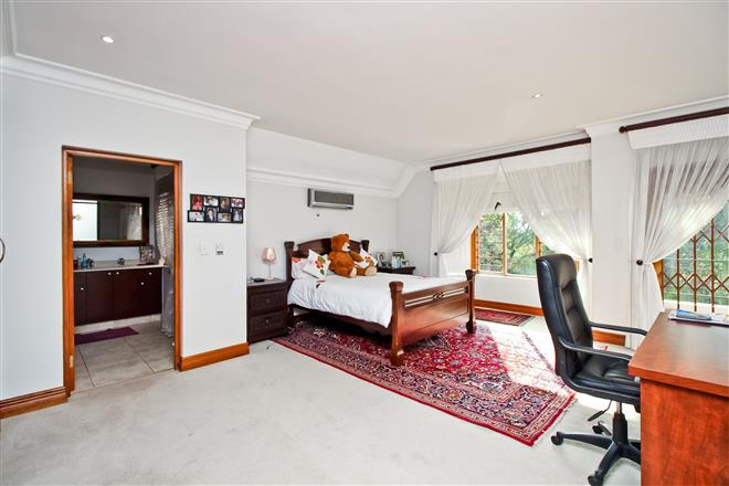Bryanston property to rent. Ref No: 13396305. Picture no 13