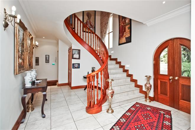 Bryanston property to rent. Ref No: 13396305. Picture no 2