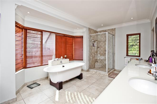 Bryanston property to rent. Ref No: 13396305. Picture no 9